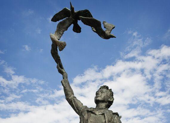 od-johnmuirway-john-muir-statue-dunbar breit