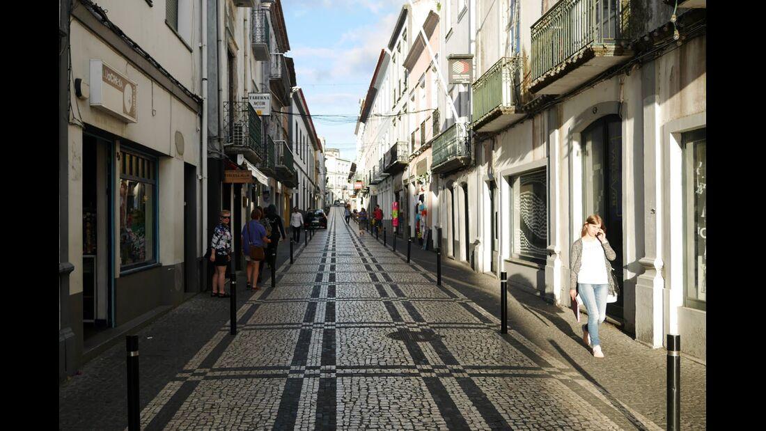 od-philip-duckwitz-azoren-reisebericht-91-Cobblestone-Ponta-Delgada,-The-Capital-of-Sao-Miguel (jpg)