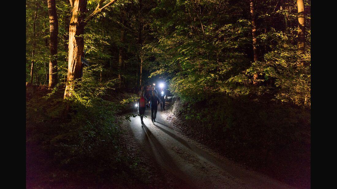 od-remstal-RGS2019_Wanderer mit Stirnlampe-1500 (jpg)