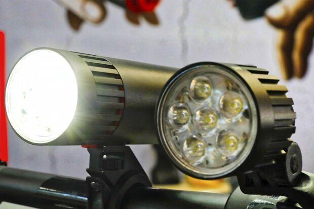 ub-fahrradbeleuchtung-herbst-nachtfahrer-1800jpg.jpg